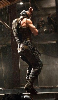 this and one other scene in the movie makes my eyes bug out of my head and think MLB! Bane Dark Knight, The Dark Knight Trilogy, The Dark Knight Rises, Bane Batman, Batman Dark, Dc Movies, Fiction Movies, Tom Hardy Bane, Tom Hardy Variations
