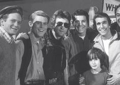 "According to May Pang, John Lennon's former girlfriend who posted the photo on her Facebook, the picture was taken in January 1974 when she, Lennon, and his son Julian, toured Paramount Studios. | Awesome Photo Of John Lennon And The Cast Of ""Happy Days"""