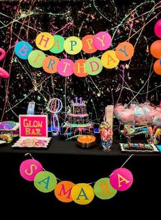 Neon Glow Birthday Party Get ready, get set, GLOW! This fabulous Neon Glow Birthday Party featured at Kara's Party Ideas is putting on a show! Come on in and see! Dance Party Birthday, Birthday Party For Teens, 10th Birthday, Dance Party For Kids, 13th Birthday Party Ideas For Teens, Neon Birthday Cakes, Glow Party Decorations, Birthday Party Decorations, Glow In Dark Party