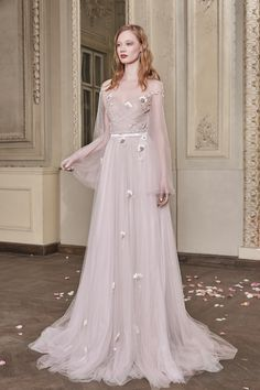 Olga Wedding Gown #OlgaWeddingGown #OtiliaBrailoiuAtelier #weddingdress #AnUntoldPoem