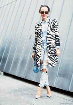 Valentina di Pinto, denim on denim, ripped jeans, denim shirt, animal print coat, pink lips, sunglasses, nude heels / Garance Doré