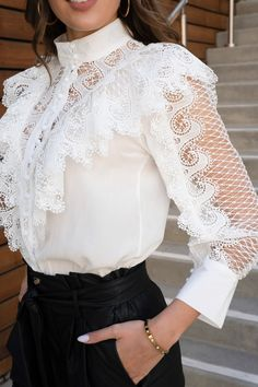 White Lace Blouse, Ruffle Blouse, Blouse Styles, Blouse Designs, Beautiful Blouses, Shirts For Girls, Blouses For Women, Runway Fashion, Lace Blouses