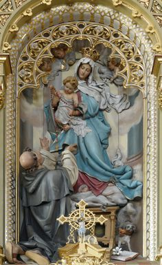 Amazing statue and shrine - Maria, Jesus and St Dominic receiving the Holy Rosary