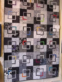 black and white quilts | What a great black and white quilt.