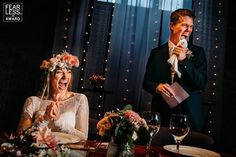 Smiling bride at speech - iek's Bridal Groom's Speech, Best Man Speech, Best Wedding Speeches, Best Speeches, Maid Of Honor Speech, Laid Back Wedding, Wedding Rehearsal, Father Of The Bride, Getting Married