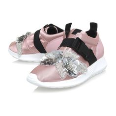 Pink Flat Low Top Trainers (5,540 MXN) ❤ liked on Polyvore featuring shoes, sneakers, pink trainers, low profile shoes, flat footwear, pink sneakers and flat sneakers