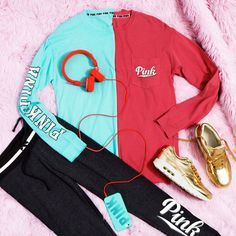 All I want for #PINKmas is…The Campus Pocket Tee (And Leggings, Please).