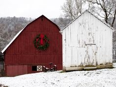 Rustic Yet Elegant: Mountain-Inspired Christmas Decorating Ideas : Blackberry Farm, located in the foothills of the Great Smoky Mountains in Walland, Tenn., is one of the foremost luxury retreats in America, combining rustic charm with world-class dining and amenities. Holiday trimmings here make use of the abundant natural materials available all over the farm. From DIYnetwork.com