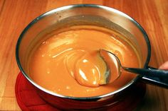 How to Melt Caramel Squares No Dairy Recipes, Apple Recipes, Cake Recipes, Keto Recipes, Caramel Apple Sauce, Caramel Apples, Caramel Squares Recipe, Candy Apples, Apple Candy