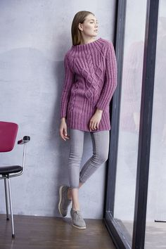 Pullover in Cable Pattern Free Knitting