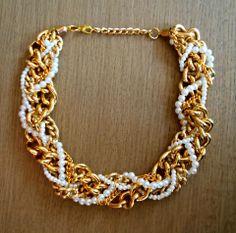 collar WIB con perlas