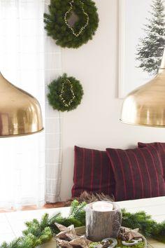 Santa Claus Im Treppenhaus | Weihnachtsdeko | Pinterest | Treppenhaus,  Weihnachtsmann Und Dekoration