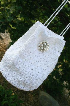 bridal purse bridal bag bridal crochet by hawthornehill on Etsy Crotchet Bags, Knitted Bags, Crochet Handbags, Crochet Purses, Purse Patterns, Crochet Patterns, Crochet Shell Stitch, Crochet Wedding, Wedding Purse