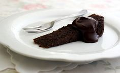 skinnymixer's Decadently Deceptive Chocolate Torte substitute sugar with stevia or xylitol for LCHF friendly! Sugar Free Recipes, Almond Recipes, Sweet Recipes, Whole Food Recipes, Cake Recipes, Cooking Recipes, Healthy Recipes, Chocolate Torte, Chocolate Fondant