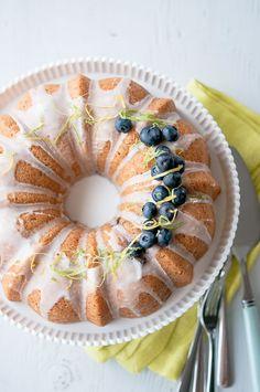 2013-10-11-cake_blueberry_lemon_main_1.jpg