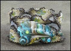 Singlewide Ndebele Ruffle Bracelet Pattern by ellejewelry on Etsy, $7.00