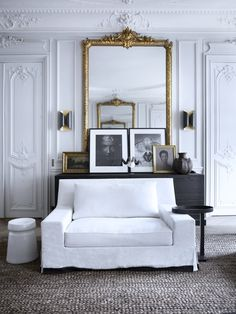 I know we have all seen this beautiful Parisian apartment by Gilles et Boissier over and over. but when I saw this image in isolation I fe. Parisian Apartment, Paris Apartments, Dream Apartment, French Apartment, White Apartment, Apartment Layout, Studio Apartments, Small Apartments, Elle Decor