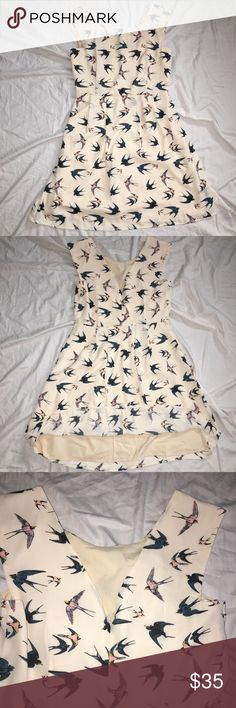 Sunny girl bird dress women's M (E-19) Sunny Girl bird dress. Women's M. Gently used without flaws Sunny Girl Dresses Midi