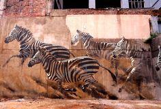 Street art in central Johannesburg, South Africa Street Mural, Street Art Graffiti, Locuciones Latinas, Miami Street, Street Art Photography, Africa Art, Art Graphique, Mural Art, Wall Art