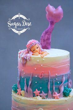 Custom Mermaid Cake Topper sleeping on a beautiful buttercream cake. Custom Mermaid Cake Topper sleeping on a beautiful buttercream cake. Little Mermaid Cakes, Mermaid Birthday Cakes, Mermaid Cake Pops, Bolo Barbie, Barbie Cake, Beautiful Cakes, Amazing Cakes, Custom Cake Toppers, Girl Cakes