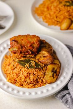 african food Liberian african food Recipes Nigerian Jollof Rice: What is not to love about Nigerian Jollof rice? We can agree to the fact that out of every Jollof rice we have around the world, Nigerian jollof rice recipe is the best. Side Dish Recipes, Rice Recipes, Cooking Recipes, Recipies, Easy Recipes, Nigerian Fried Rice, Quinoa, West African Food, Brunch