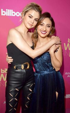 Selena Gomez and Francia Raisa attending the Billboard Women In Music on November 2017 in Hollywood, California Francia Raisa, Billboard Women In Music, Saved By The Bell, Entertainment Tonight, Marie Gomez, How To Make Light, American Singers, Justin Bieber, Bieber Selena