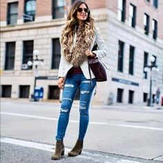 0cc275143 Sam Edelman Daily Street Style, Instagram Outfits, Ripped Jeans, Skinny  Jeans, Tattered
