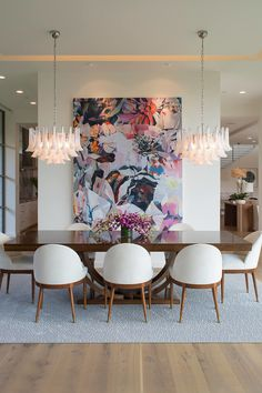 Get inspired by these dining room decor ideas! From dining room furniture ideas, dining room lighting inspirations and the best dining room decor inspirations, you'll find everything here! Dining Room Wall Decor, Dining Room Design, Modern Dining Room Chairs, Modern Dinning Room Ideas, Living Room Artwork, Modern Dining Room Lighting, Mid Century Modern Dining Room, Chandeliers Modern, Dining Table Lighting