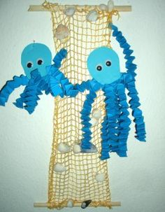 Kraken aus Hexentreppen basteln Making octopi from witch steps Kids Crafts, Summer Crafts, Preschool Crafts, Diy And Crafts, Arts And Crafts, Paper Crafts, Under The Sea Crafts, Under The Sea Theme, Ocean Theme Crafts
