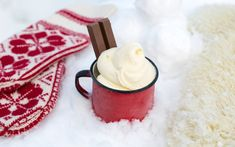 Softis i snøen - MatSans® - TINE.no Christmas Kitchen, Winter Day, Pavlova, Moscow Mule Mugs, Popsicles, Sorbet, Red And White, Bakery, December