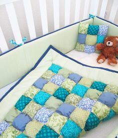 I'm gonna make this for Mac once she moves into a toddler bed!! In her room colors of course