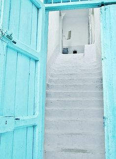 Tiffany blue doors with white washed stairs Vert Turquoise, Shades Of Turquoise, Shades Of Purple, Aqua Blue, Pink, Bright Purple, Light Teal, Teal Green, Tiffany Blue