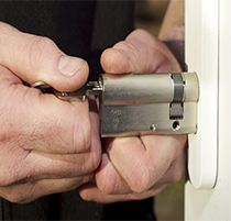 Knowledgeable & friendly technicians at Locksmith in Forestville are familiar with all types of residential services. Whether you need that emergency key to get you inside. Mobile Locksmith, 24 Hour Locksmith, Alicante, Granada, Automotive Locksmith, 24 Hour Service, Safe Lock, Garage Door Repair, Locksmith Services