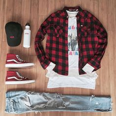 Outfit grid - Red & black checked shirt
