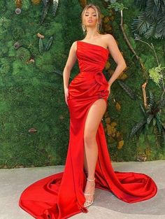 Glam Dresses, Event Dresses, Pretty Dresses, Beautiful Dresses, Red Carpet Dresses, Elegant Prom Dresses, Formal Dresses, One Shoulder Prom Dress, Mode Ootd