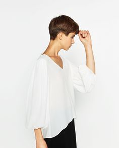 BLOUSE WITH FULL SLEEVES