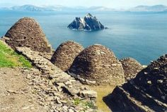 Skellig Michael –the jewel of County Kerry's kingdom, one of the three UNESCO world heritage sites in Ireland. Places To Travel, Places To See, Marie Galante, Star Wars, The Monks, Ireland Travel, World Heritage Sites, National Parks, Scenery