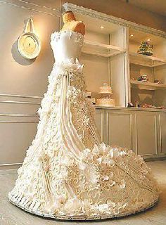Possibly the biggest #Dress #Cake you've ever laid eyes on? Amazing cake! We love and had to share! Great #CakeDecorating!