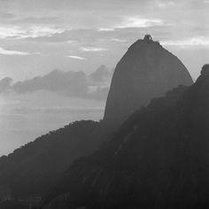 PÃO DE AÇÚCAR COM NÉVOA NO RIO DE JANEIRO - RJ