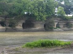 Seven Pillars outside of Peru, Indiana. Along the Mississinewa River. The Miami Indians held meetings in the caves Native American Artifacts, Mystery Of History, Historical Photos, American History, Indiana, Cool Photos, Camping Tarp, Waterfall, Places To Visit