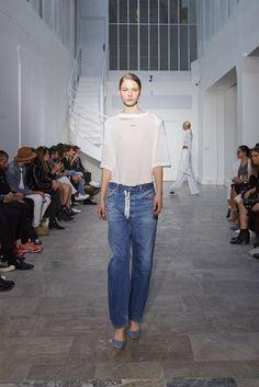 2016春夏プレタポルテコレクション - オフ-ホワイト c/o ヴァージル アブロー(OFF-WHITE c/o VIRGIL ABLOH)ランウェイ|コレクション(ファッションショー)|VOGUE JAPAN