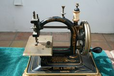 GUHL & HARBECK VINTAGE SEWING MACHINE
