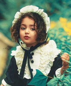 Cute Baby Girl Photos, Cute Little Baby Girl, Cute Baby Pictures, Cute Photos, Beautiful Girl Image, Beautiful Baby Girl, Beautiful Children, Cute Baby Bunnies, Cute Baby Dolls