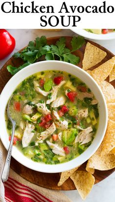 A soup that's incredibly easy, deliciously fresh, and brimming with flavorful chicken and plenty of tempting avocados. New Chicken Recipes, Chicken Flavors, Soup Recipes, Dinner Recipes, Cooking Recipes, Healthy Recipes, Recipe Chicken, Chicken Avocado Soup, Healthy Nutrition