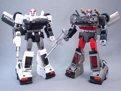 Transformers Masterpiece MP-18 Streak (Bluestreak) with MP-17 Prowl