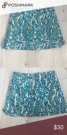 Lilly Pulitzer Skort Spring 2015 Lilly Pulitzer skort size 00. Blue green and white. Super comfy. Worn 3x. Lilly Pulitzer Skirts