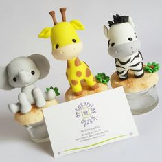 First Birthday Themes, Baby Birthday Cakes, Safari Theme Party, Jungle Party, Birthday Souvenir, Cake Topper Tutorial, Polymer Clay Animals, Clay Design, Polymer Clay Creations