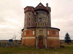 Silo converted into a castle - Elora, Ontario