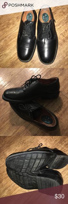 Florisheim Comfortech Black Leather Shoes Sz 10.5 Florisheim Comfortech Black Leather Shoes Size 10.5.  Great condition very little signs of wear. Florsheim Shoes