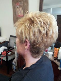 I love that the back is full and blends well on the 'downslope! Short Grey Hair, Short Hair With Layers, Short Hair Cuts For Women, Latest Short Hairstyles, Cute Hairstyles For Short Hair, Short Hair Styles, Older Women Hairstyles, My Hairstyle, Hair Dos